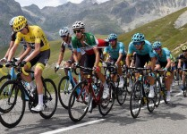 Col_du_Galibier_bei_der_Tour_de_France